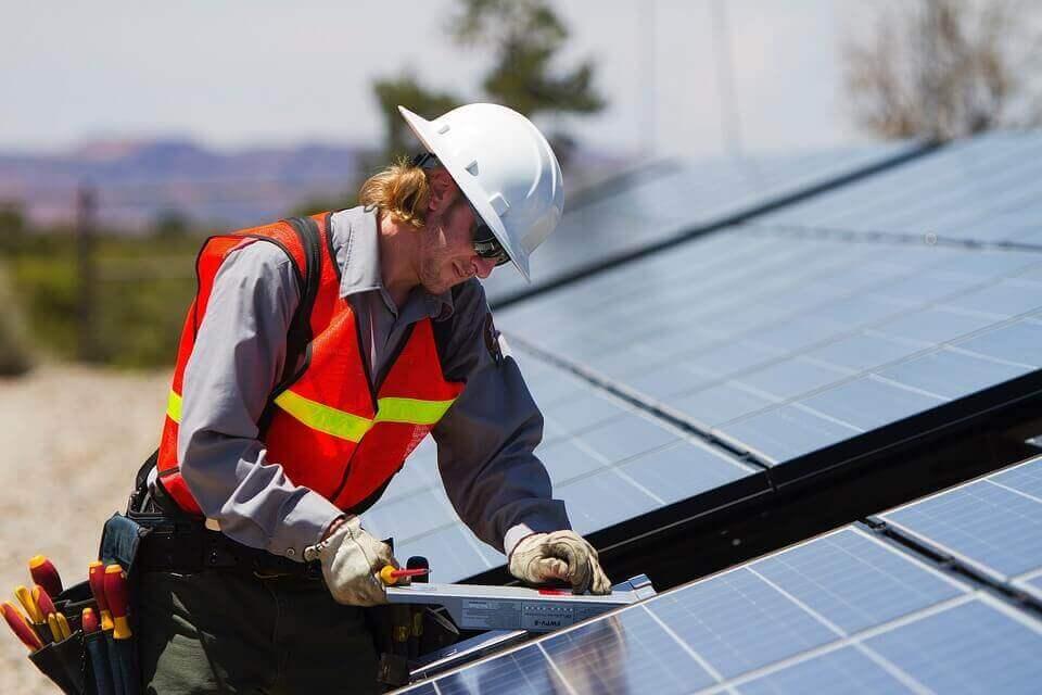 Conexión de paneles solares